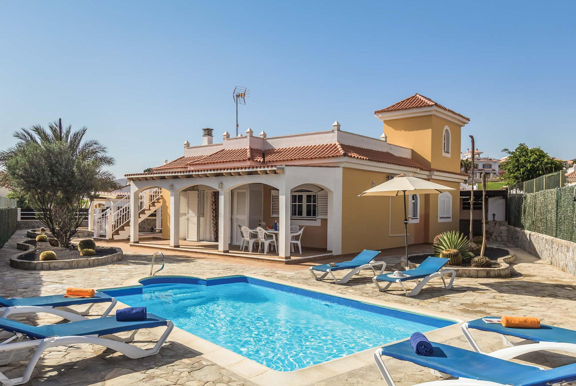 Read more about Siesta I villa