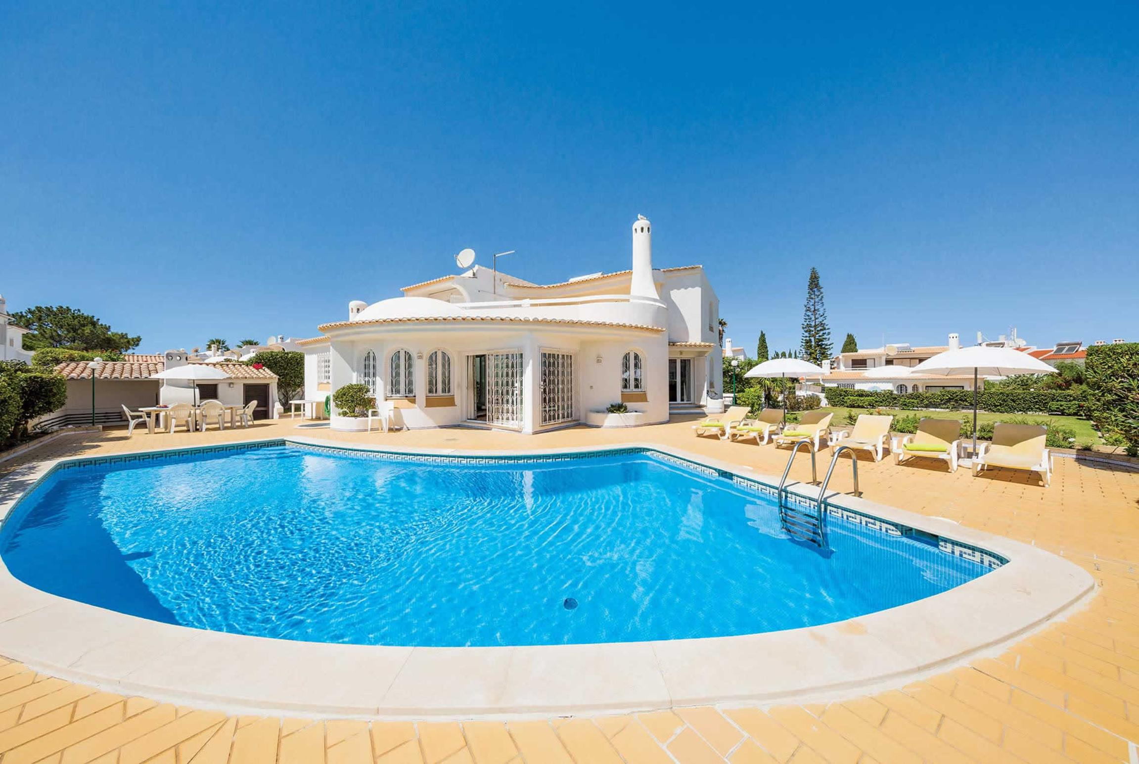 Read more about Cristina 7 villa