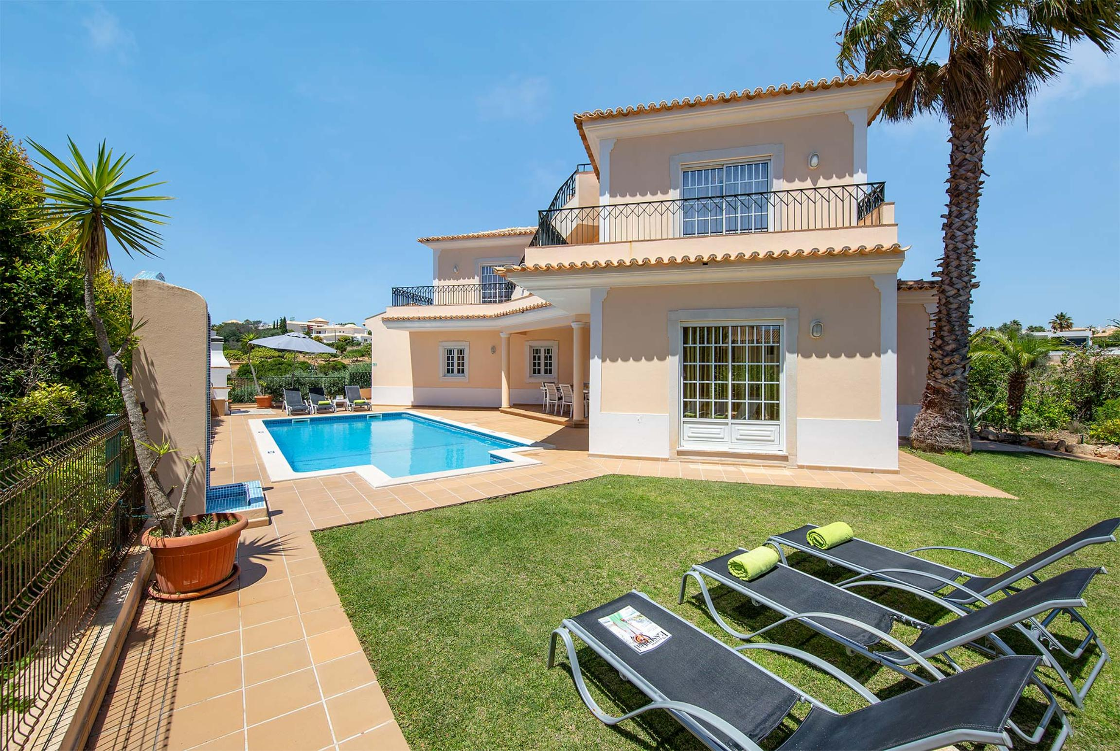 Read more about Monte das Oliveiras villa