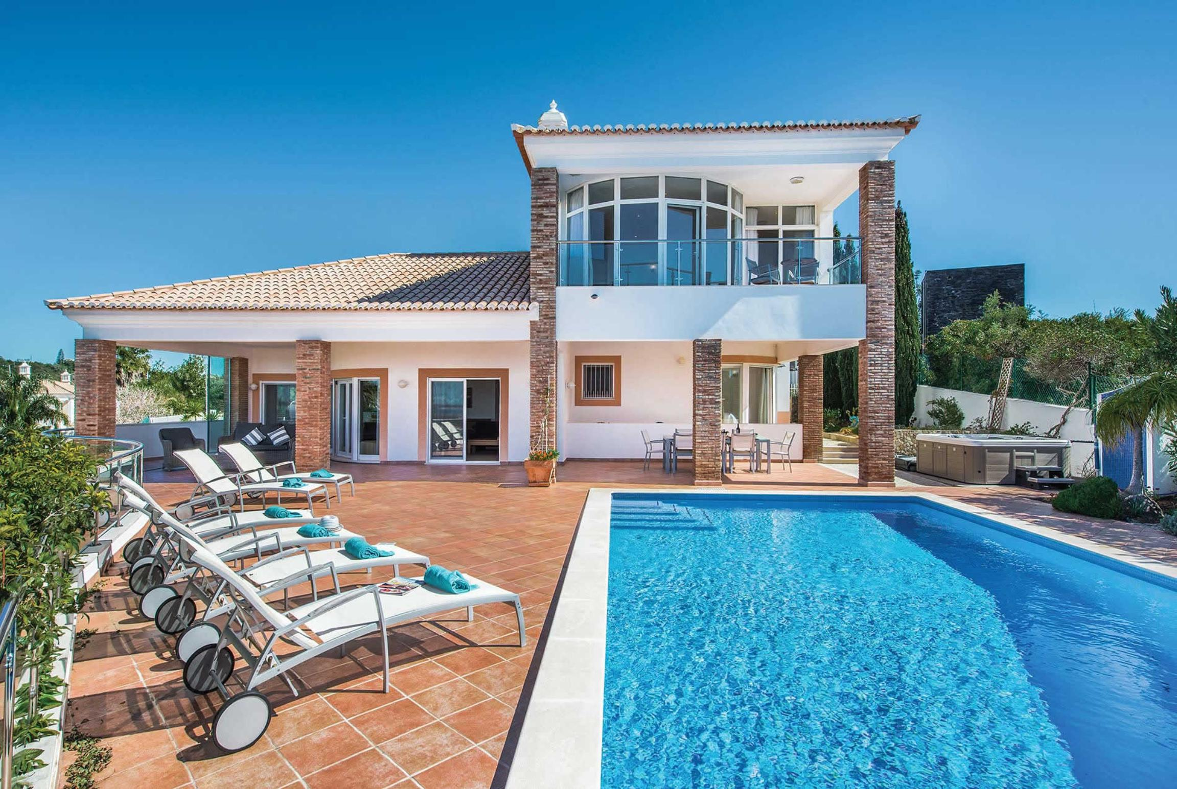 Read more about Villa Lila villa