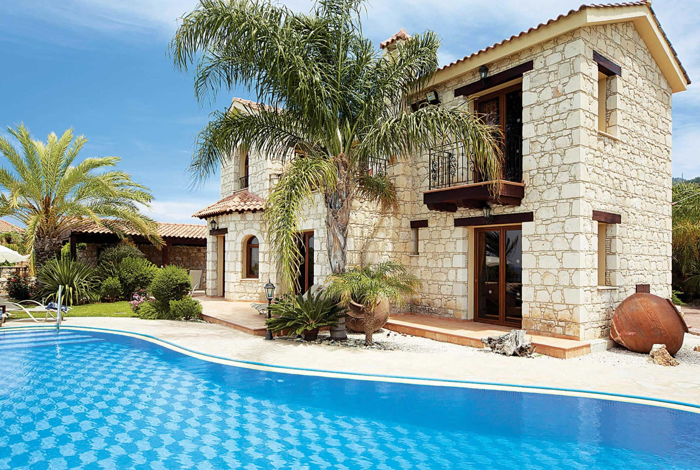 Read more about Stavroulla villa