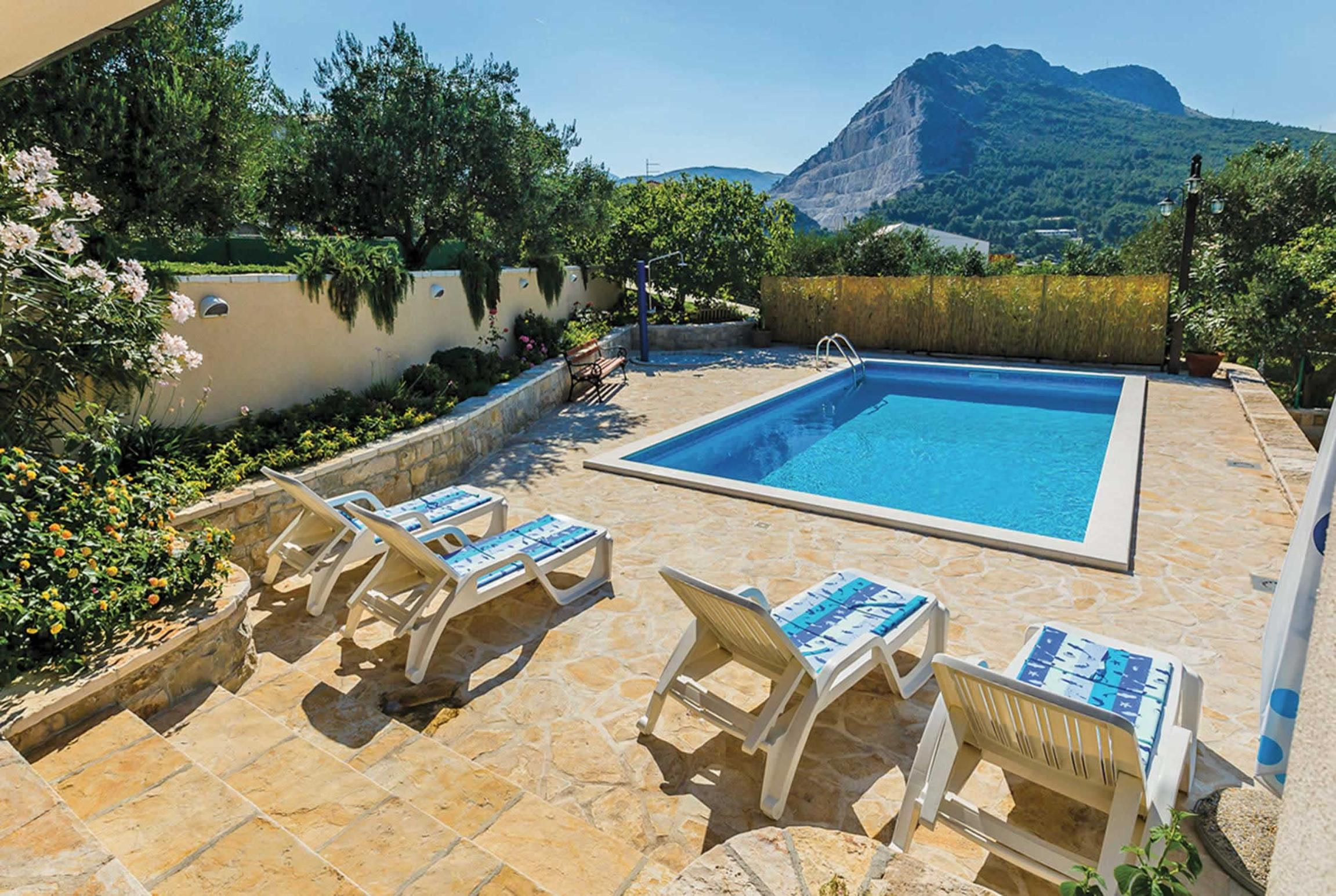 Read more about Priroda villa