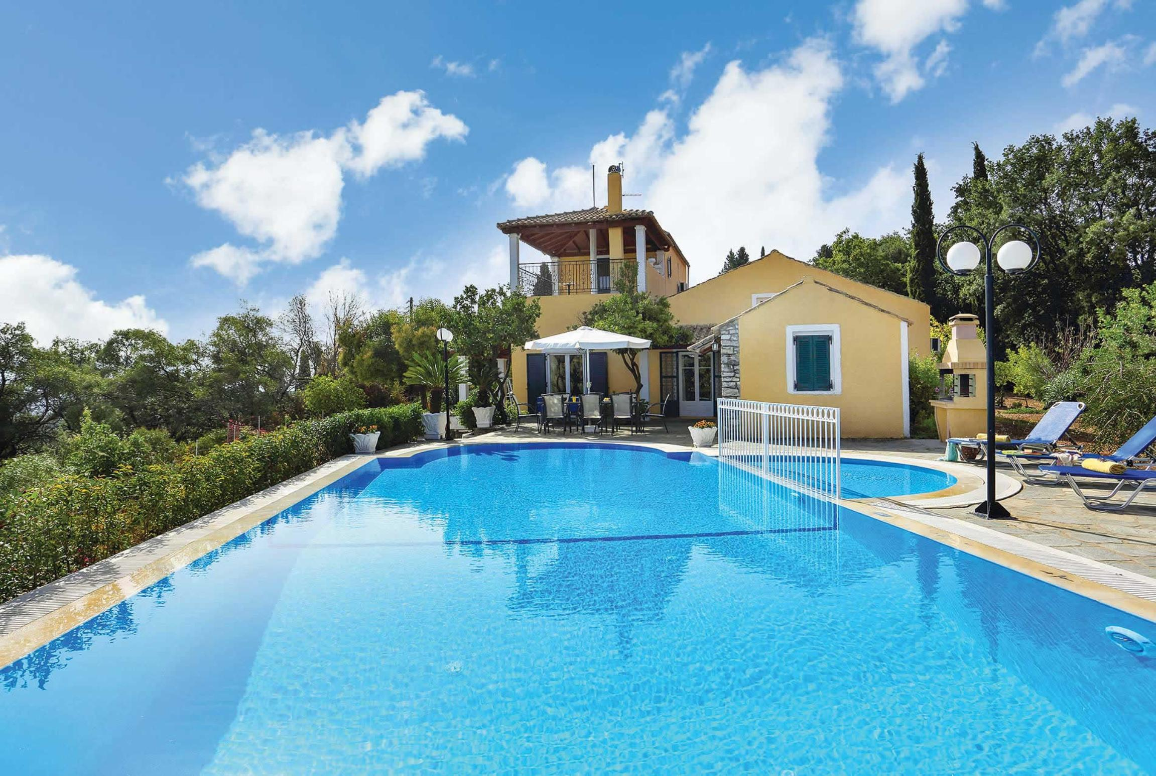 Read more about Bouritsa villa