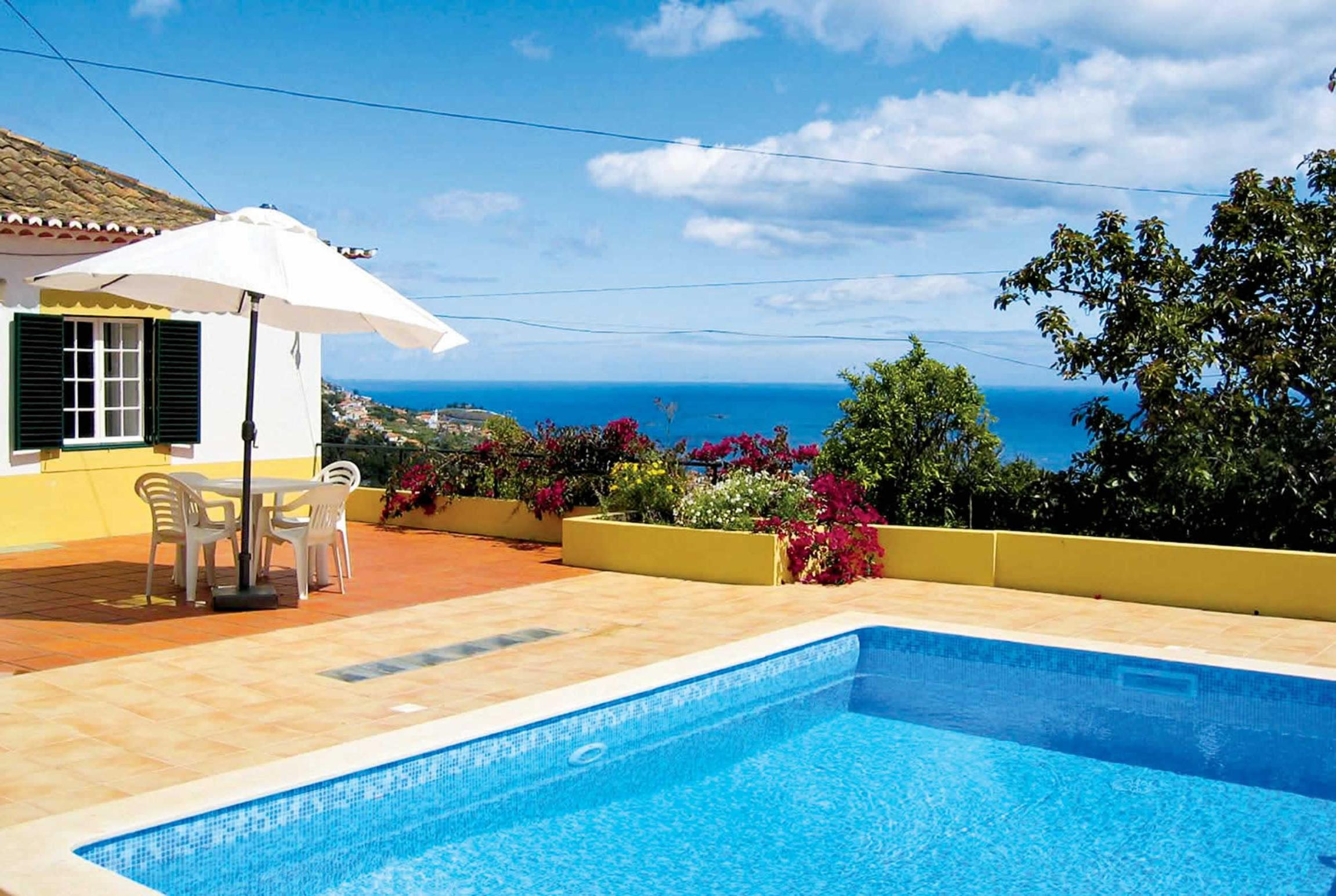 Read more about Casa Amarelo villa