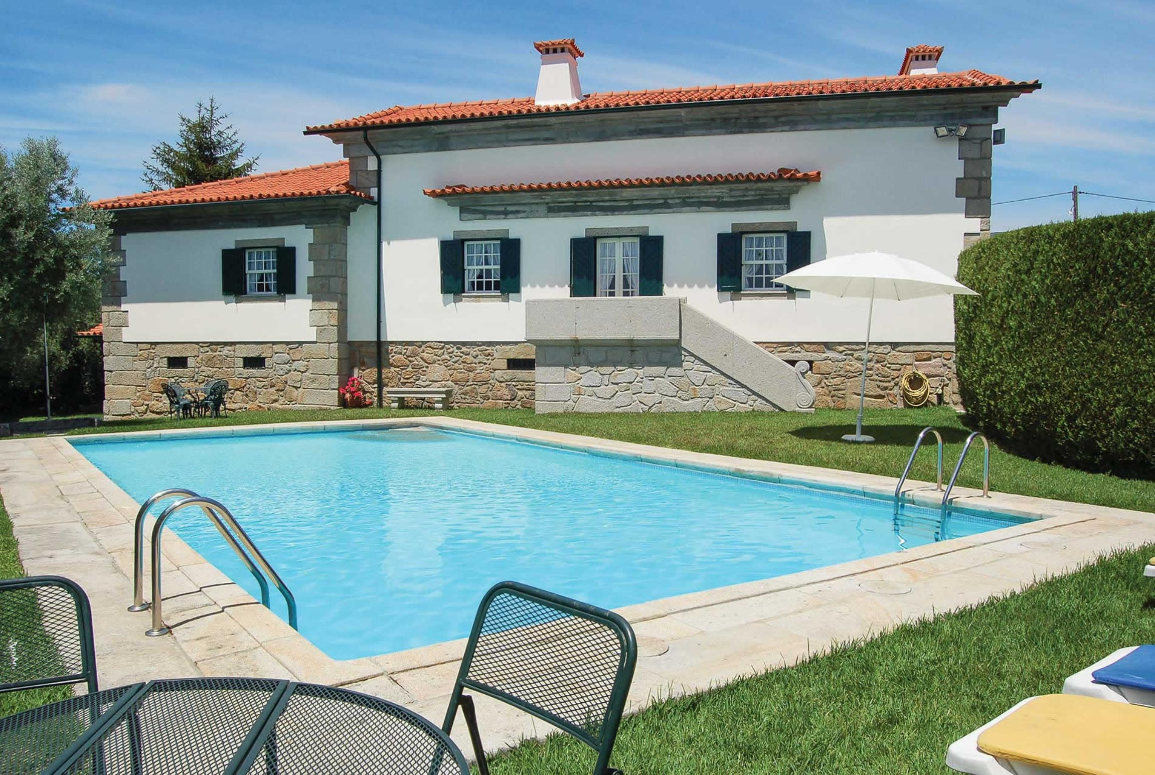 Read more about Quinta da Palma villa