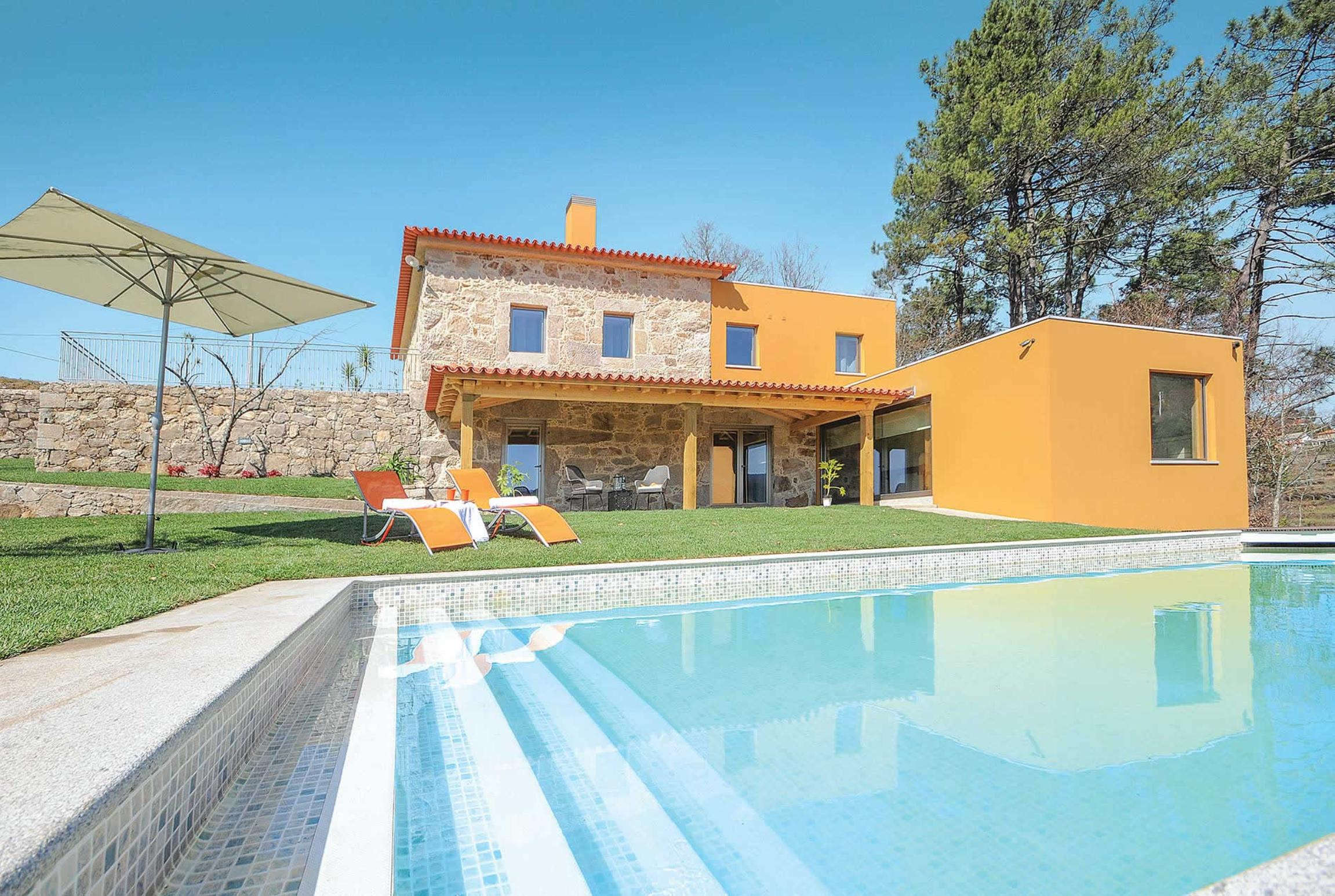 Read more about Casa de Eiro villa