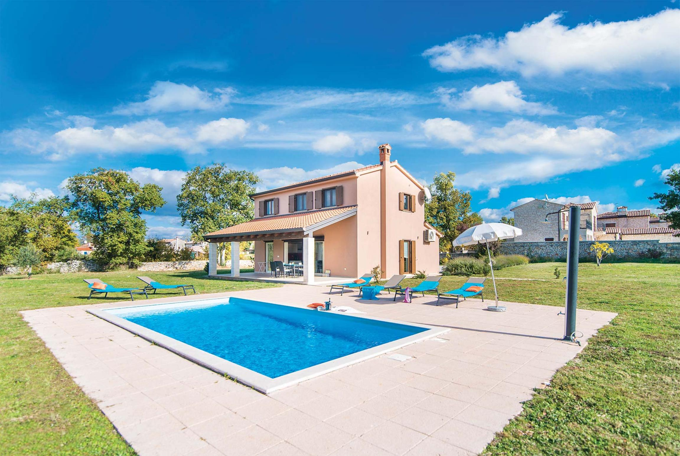 Read more about Maslina villa