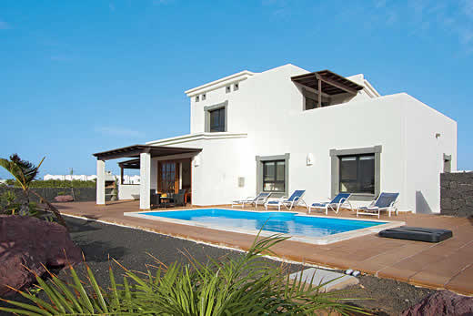 £565.00 for Lanzarote self catering holiday villa