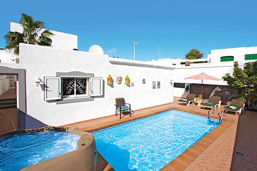 Holiday villa deal for Lanzarote with private swimming pool