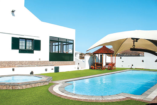 £1934.00 for Lanzarote self catering holiday
