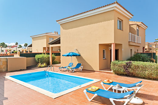 Holiday villa deal for Fuerteventura with private swimming pool