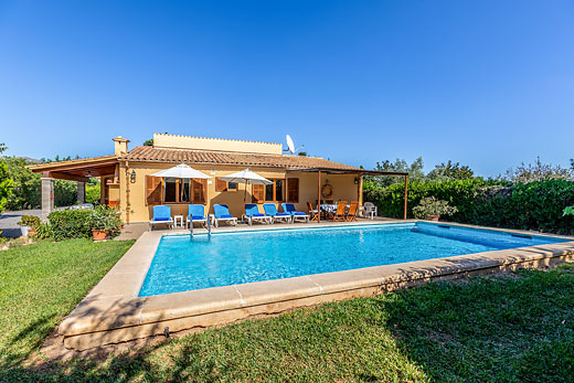 £418.00 for Mallorca self catering holiday