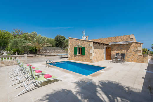 £303.00 for Mallorca self catering holiday