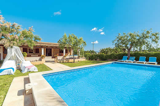 £1239.00 for Mallorca self catering holiday