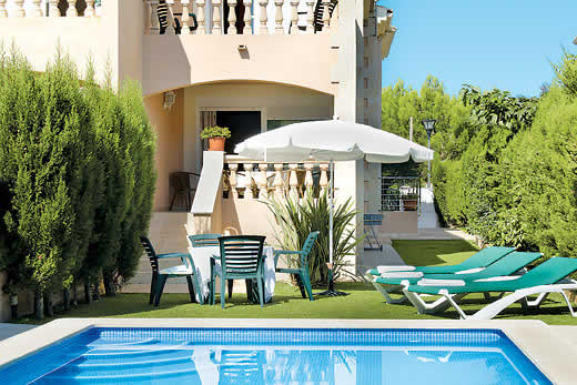 Holiday villa deal for Mallorca with private swimming pool
