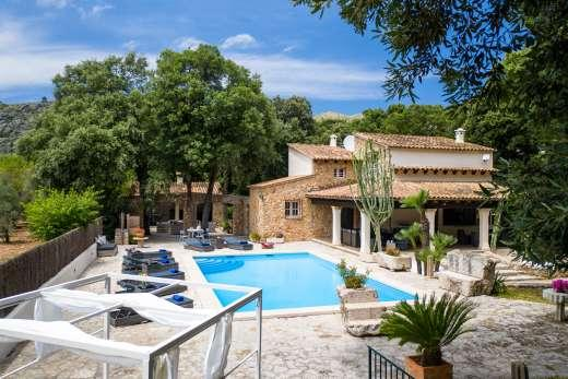 £1519.00 for Mallorca self catering holiday