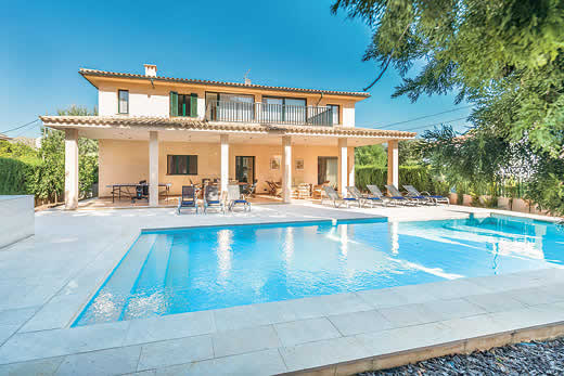 £3584.00 for Mallorca self catering holiday