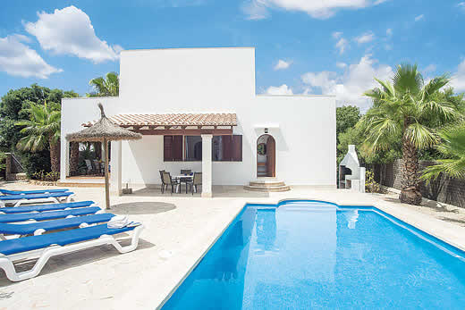 £868.00 for Mallorca self catering holiday