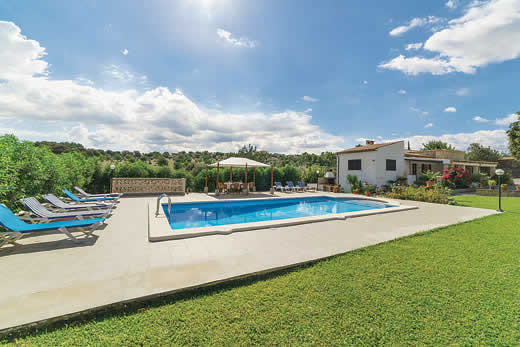 £865.00 for Mallorca self catering holiday