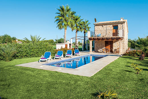 Holiday villa offer for Mallorca with swimming pool