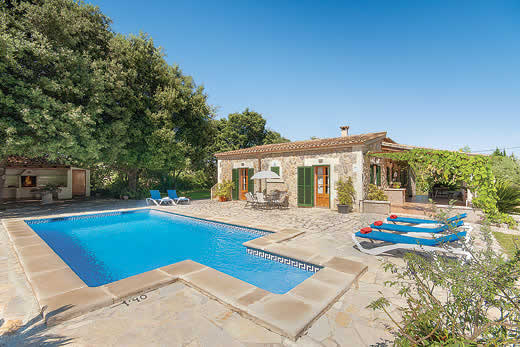 £1360.00 for Mallorca self catering holiday