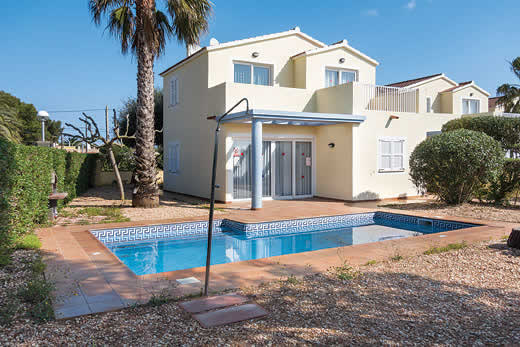 £682.00 for Menorca self catering holiday