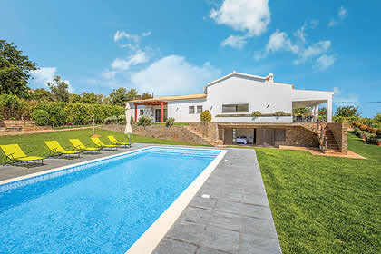Algarve a great place to enjoy a self catering holiday villa