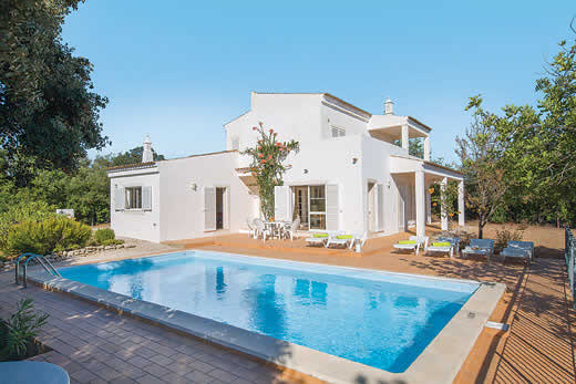 Holiday villa offer for Algarve with swimming pool