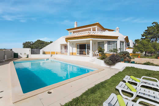 £639.00 for Algarve self catering holiday