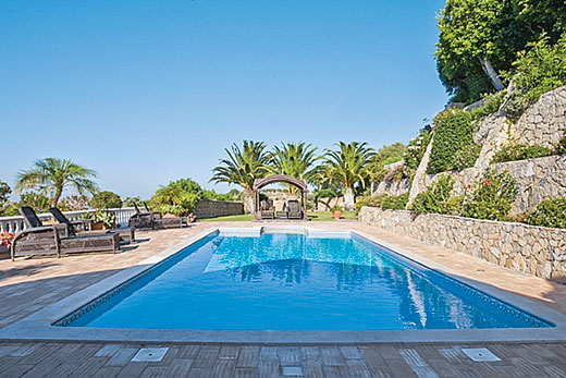 £821.00 for Algarve self catering holiday