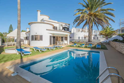 £670.00 for Algarve self catering holiday