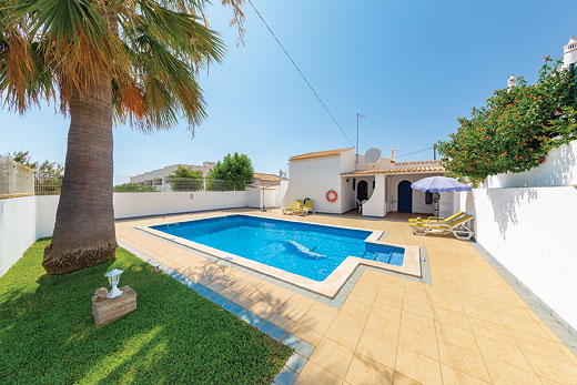 £299.00 for Algarve self catering holiday