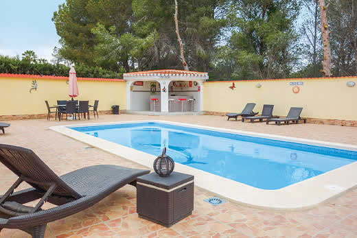 £749.00 for Costa Blanca self catering holiday