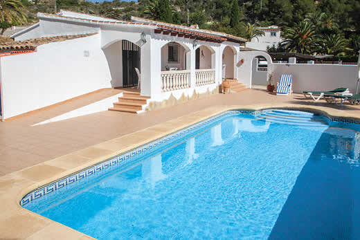 £577.00 for Costa Blanca self catering holiday