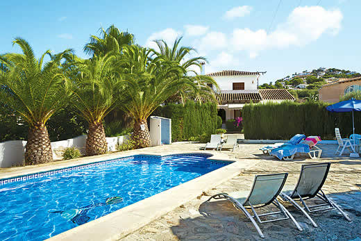 £576.00 for Costa Blanca self catering holiday