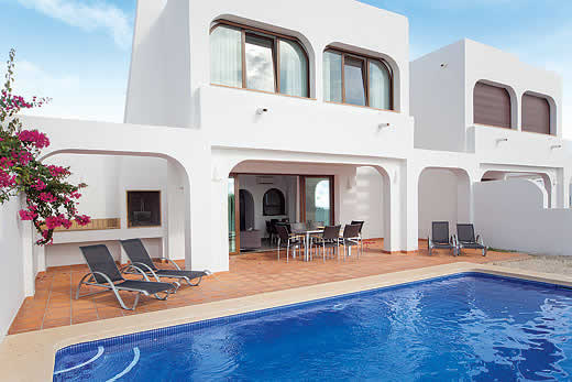 £724.00 for Costa Blanca self catering holiday