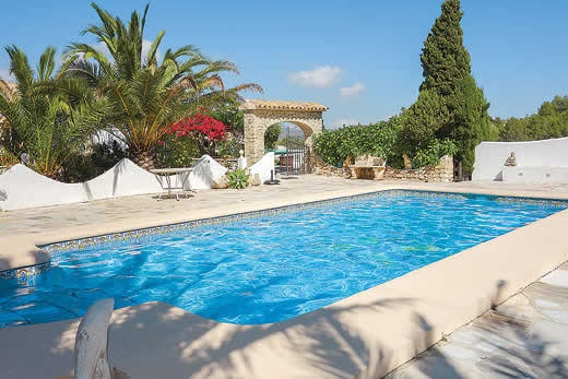 £845.00 for Costa Blanca self catering holiday