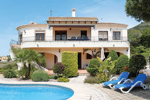 £586.00 for Costa Blanca self catering holiday