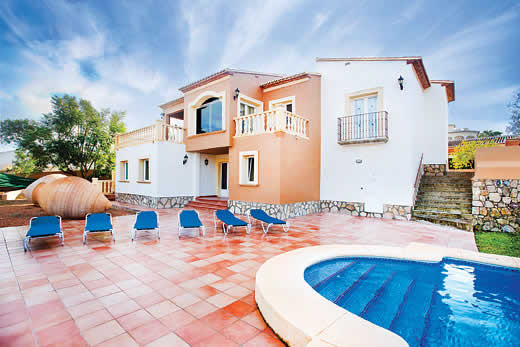 Holiday villa offer for Costa Blanca with swimming pool