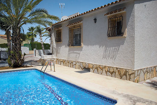 £685.00 for Costa Blanca self catering holiday