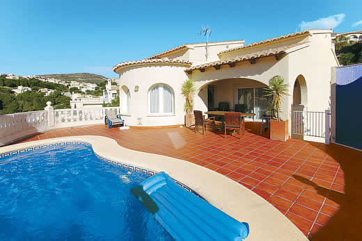 £261.00 for Costa Blanca self catering holiday