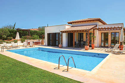 £1470.00 for Cyprus self catering holiday villa