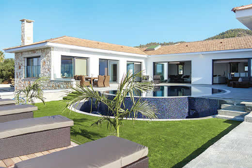 £1290.00 for Cyprus self catering holiday