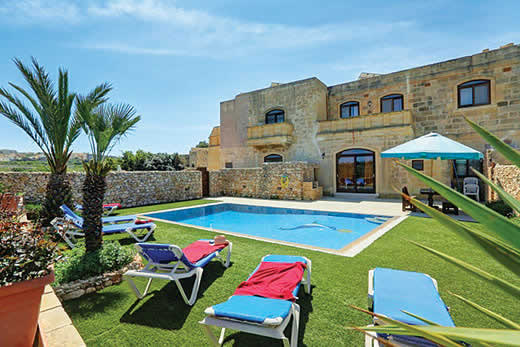 Holiday villa offer for Gozo with swimming pool