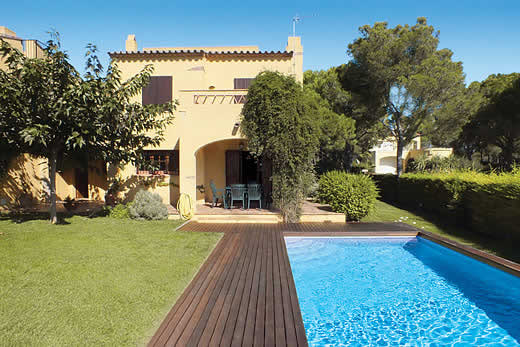 £1076.00 for Costa Brava self catering holiday