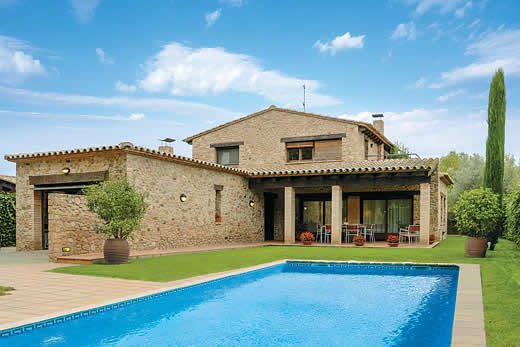 £1462.00 for Costa Brava self catering holiday