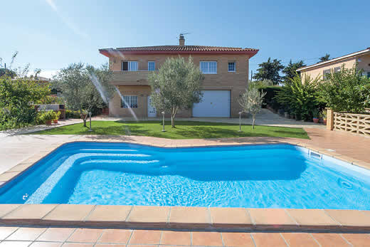 £1364.00 for Costa Brava self catering holiday