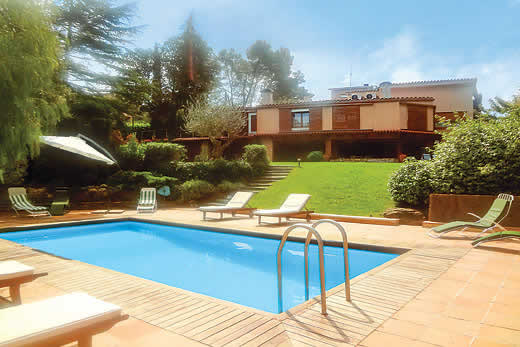 £1525.00 for Costa Brava self catering holiday