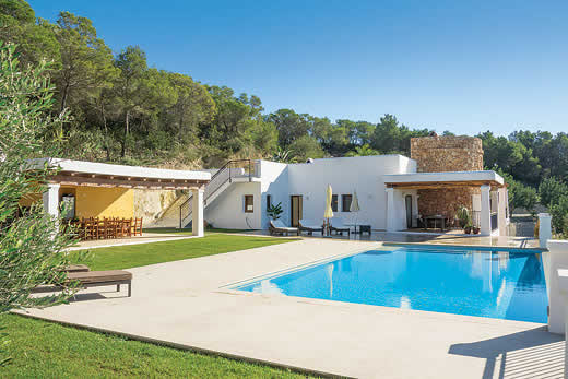 Enjoy a great self catering holiday in  Ibiza