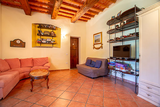 £621.00 for Tuscany self catering holiday